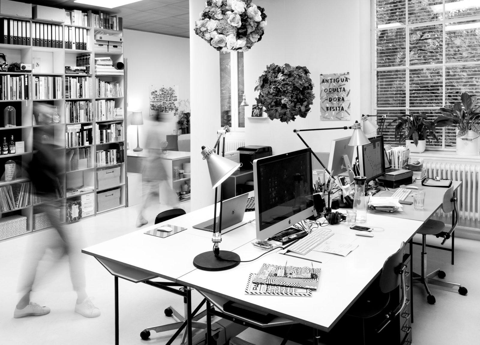 Editienne- Grafikdesign- Kommunikationsdesign- Arbeitsraum für Grafikdesign